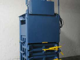 Large Industrial Baler Bailer Garbage Compactor - picture0' - Click to enlarge
