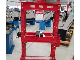 HP-50 Workshop Hydraulic Press  50 Tonne - picture0' - Click to enlarge