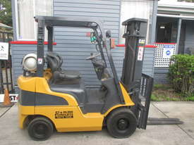 Caterpillar 1.8 ton LPG Repainted Used Forklift - picture0' - Click to enlarge