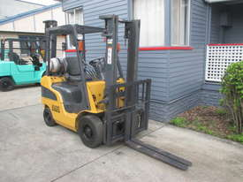 Caterpillar 1.8 ton LPG Repainted Used Forklift - picture1' - Click to enlarge