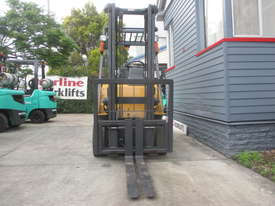Caterpillar 1.8 ton LPG Repainted Used Forklift - picture2' - Click to enlarge