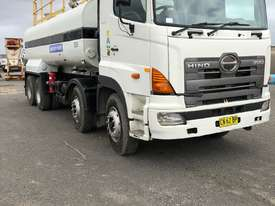Water Truck Hino 2007 - picture0' - Click to enlarge
