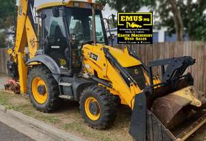 2010 JCB 3CX APC Backhoe, heaps of attachments