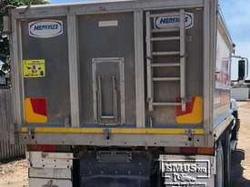 2005 Alloy Mack CH Series Tipper Truck - picture9' - Click to enlarge