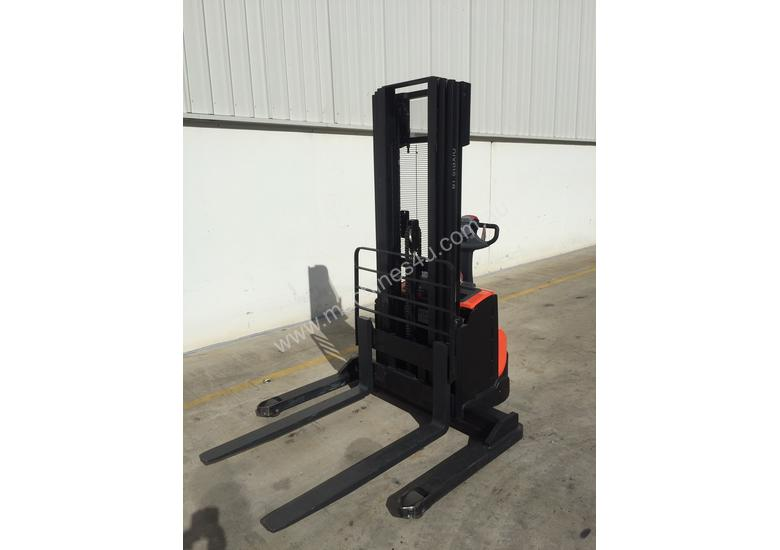 BT Forklifts SWE120S