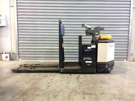 Electric Forklift Rider Pallet PC Series 2012 - picture0' - Click to enlarge