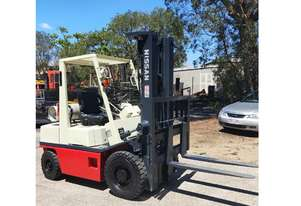 2.5T Nissan Container Entry (5.5m Lift, 3-Stg Mast) LPG PHO2A25 Forklift