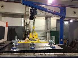 Vacuum lift - sheetmetal handling and loading for fiber laser cutter - picture0' - Click to enlarge