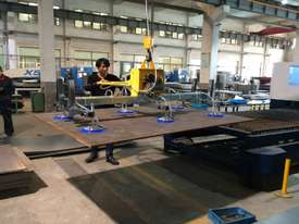 Vacuum lift - sheetmetal handling and loading for fiber laser cutter - picture3' - Click to enlarge