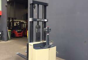 Crown 30WTF154 Heavy Duty Compact Walkie Stacker New Batteries Fitted