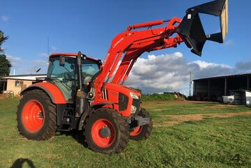 Kubota M7151 Tractor Like Brand New Only Done 480 hours Warranty to Dec 2023