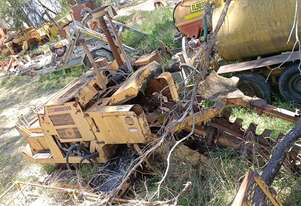 60hp Case Taskforce 1000 ,  track trencher , belt conveyor ,