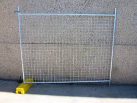 NEW TEMPORARY FENCING / FENCE SET /  SITE SAFE  - picture2' - Click to enlarge