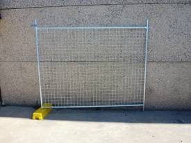 NEW TEMPORARY FENCING / FENCE SET /  SITE SAFE  - picture6' - Click to enlarge