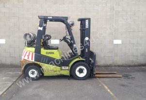 2.5 Tonne LPG Forklift FOR SALE **** Clark C25L