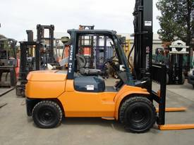 HYSTER TOYOTA NISSAN 5TON DIESEL HIRE OR BUY  - picture0' - Click to enlarge