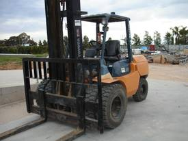 HYSTER TOYOTA NISSAN 5TON DIESEL HIRE OR BUY  - picture3' - Click to enlarge