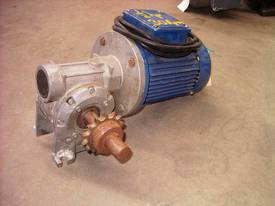 MECHTRIC REDUCTION BOX  MOTOR/ 30RPM - picture0' - Click to enlarge