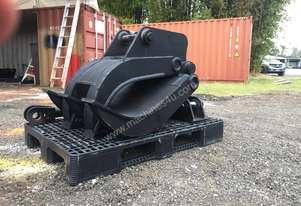 A R E Attachments 8 ton manual excavator grab