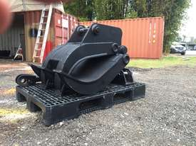 8 ton manual excavator grab - picture0' - Click to enlarge