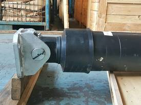 TIPPING HOIST Well Mount PF4-154-5034 End of line - picture9' - Click to enlarge