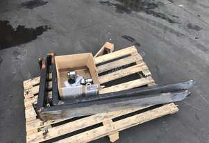 Cascade 1070 forks Fork Lift Attachments