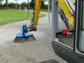 RB-80 Sweeper with Hitch (std with triple Soft Brush) - picture2' - Click to enlarge