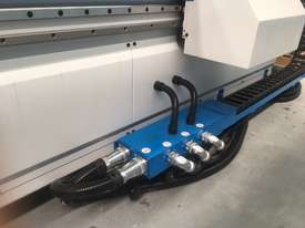 Flat Bed 2760 X 1260mm with auto load/ unload. Feature and value packed! - picture20' - Click to enlarge