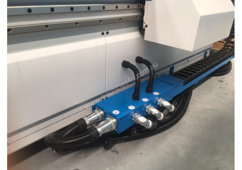 Flat Bed 2760 X 1260mm with auto load/ unload. Feature and value packed!