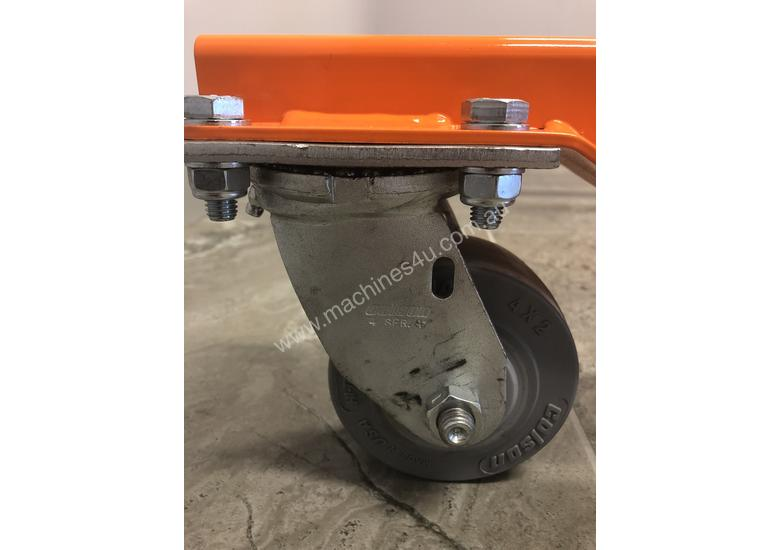 MLC 12 Material lifter