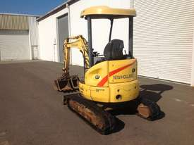 New Holland EH27.B Excavator  - picture2' - Click to enlarge