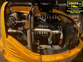 JCB 8035, 3.5ton Excavator, heaps of attachments. EMUS  - picture6' - Click to enlarge
