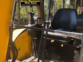 JCB 8035, 3.5ton Excavator, heaps of attachments. EMUS  - picture7' - Click to enlarge