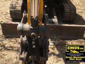 JCB 8035, 3.5ton Excavator, heaps of attachments. EMUS  - picture9' - Click to enlarge