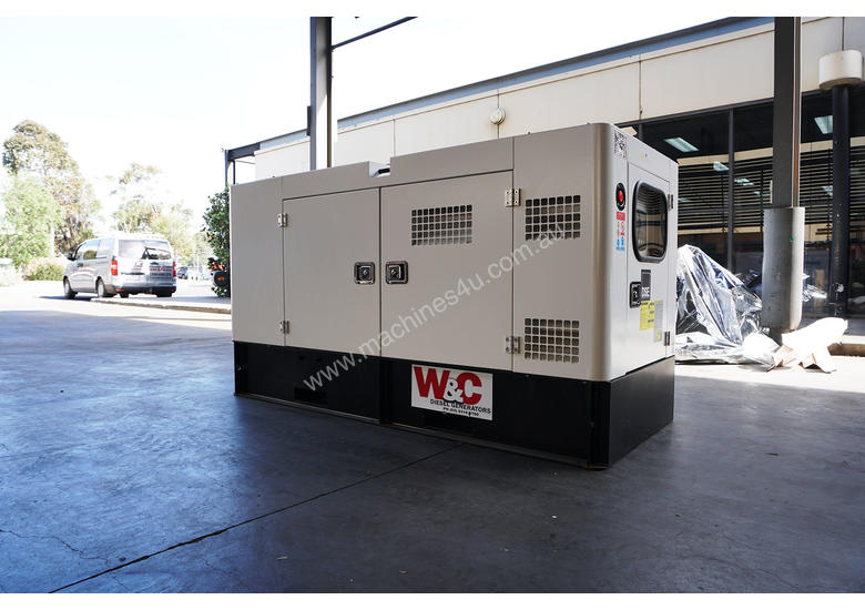 24kVA, 3 Phase, Standby Diesel Generator with Kubota Engine in Canopy