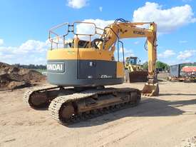 Hyundai R235LCR-9 Excavator - picture2' - Click to enlarge