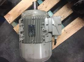 Siemens 3 phase motor - picture0' - Click to enlarge