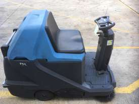 Battery Electric Sweeper - picture0' - Click to enlarge