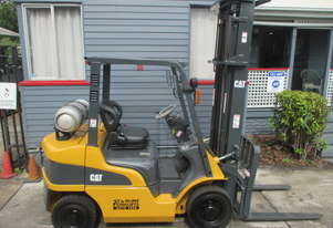Caterpillar 2.5 ton LPG Used Forklift