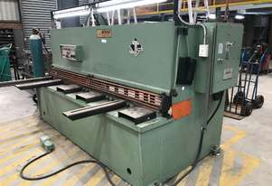 USED GUILLOTINE - STP 2500 X 6MM - Just In.