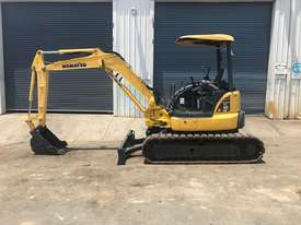 USED 2011 KOMATSU PC40MR MINI EXCAVATOR  - picture0' - Click to enlarge