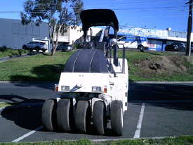 CP-142 Dynapac multi tyred roller , 2004  ,  - picture3' - Click to enlarge