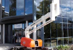 12/2011 Snorkel MHP13AT - Trailer mounted knuckle boom (cherry picker)