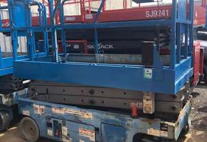 GENIE 20FT ELECTRIC SCISSOR LIFT