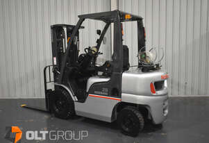 Nissan 2.5 Tonne Forklift LPG 4.3m Lift Height Container Mast Solid Tyres 8423 Hours