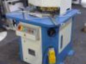 NEW Machtech Hydraulic Notcher, model MHN 4-200A - picture0' - Click to enlarge