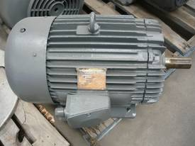 GEC 30HP 3 PHASE ELECTRIC MOTOR/ 1460RPM - picture1' - Click to enlarge