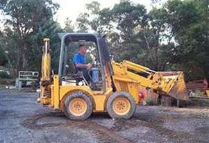 Jcb MINI LOADER WITH LOW HOURS