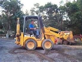 jcb-1cx , ex telstra , low hr machines