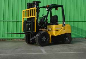 Agrison Forklift + 3 Ton + 3 Stage Container Mast